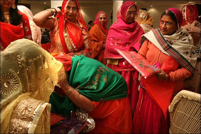Brautschau auf Hochzeitsfeier