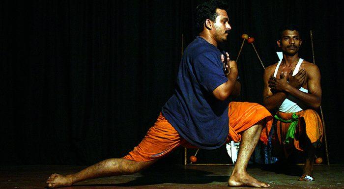 Kerala: Kalarippayat-Vorführung